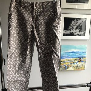 Ankle length patterned pants